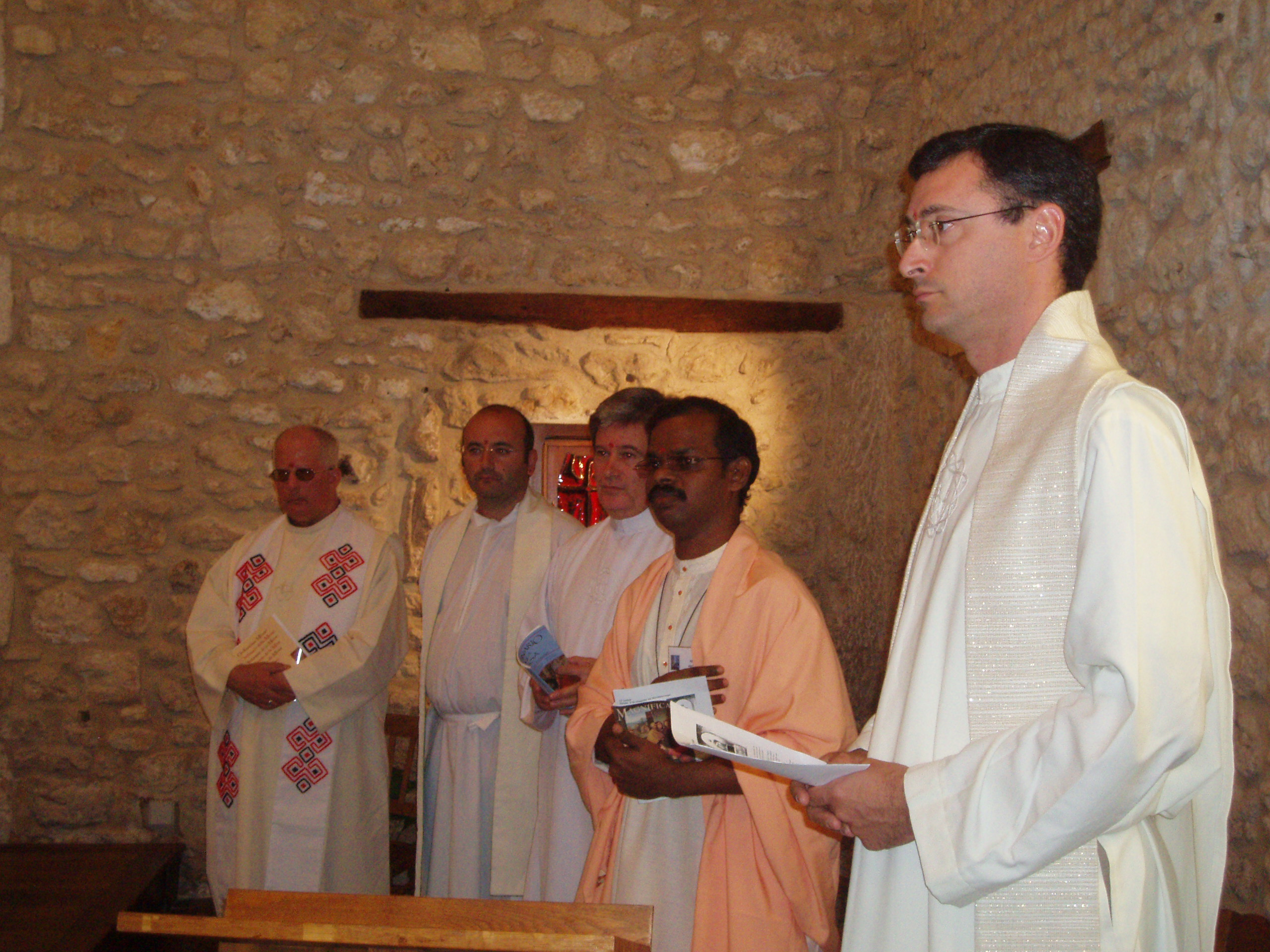 Eucharist, with rites of the Indian liturgy, presided by Ajith Kumar Antonydass